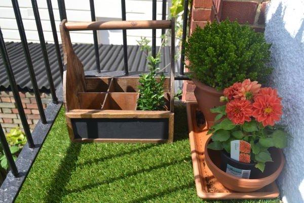 Balcones peque os y modernos 60 fotos e ideas de - Macetas para balcones ...