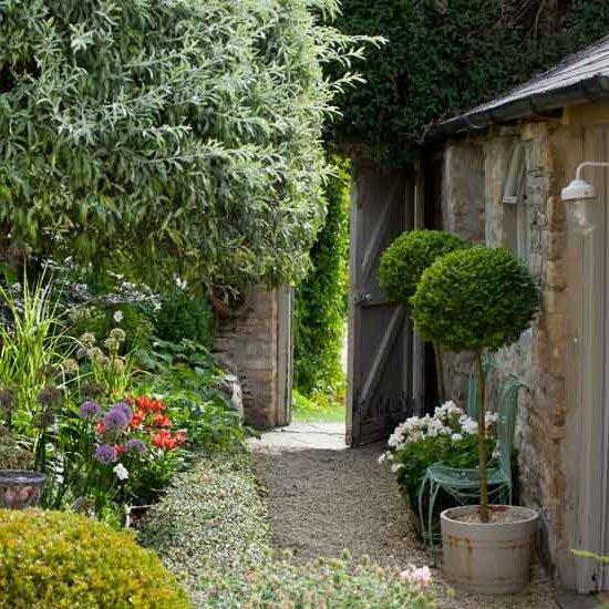 Jardines peque os y bonitos 60 fotos e ideas modernas de - Suelos para jardines pequenos ...