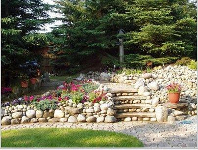 Jardines con piedras 45 fotos y sugerencias para su dise o for Poner piedras en el jardin
