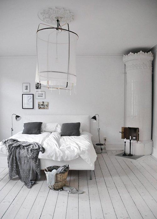 blancos y grises en habitación moderna escandinava