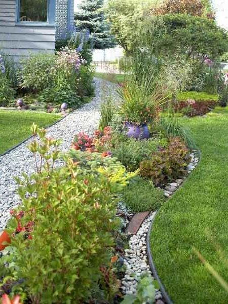 Decoraci n de jardines y patios modernos 140 fotos para for Canteros de jardin