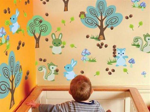 zona de juegos infaltable cuando se tiene muchos hijos es bueno abarcar todos los espectros de juguetes para mantenerlos a todos ocupados y