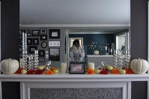 otra excelente idea puede ser crear una gran mesa temtica adornada con candelabros dulces y cualquier otro elemento