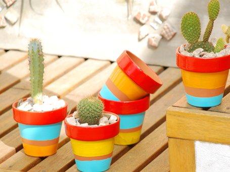 Macetas decoradas 5 ideas f ciles y baratas para hacer en casa - Macetas de colores ...