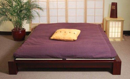 cama futon de color morado