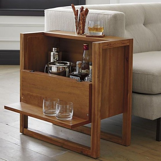 Mini bar en madera o metal 30 ideas para el hogar for Bares pequenos de madera