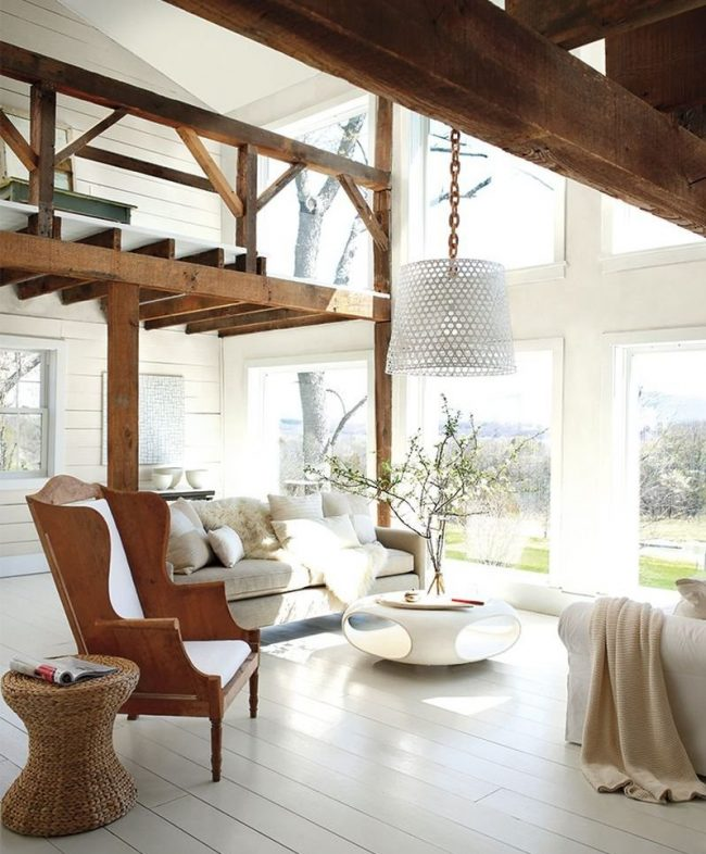 sala blanca y madera