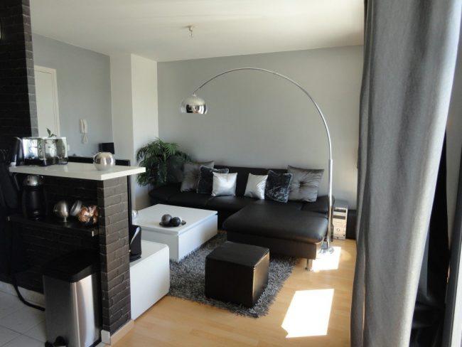 Salones peque os 30 fotos e ideas para una decoraci n moderna brico y deco - Salones con muebles oscuros ...