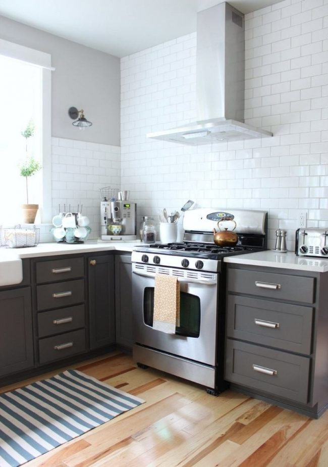 Cocinas grises 40 fotos e ideas modernas y fabulosas for Que color de pared para una cocina gris