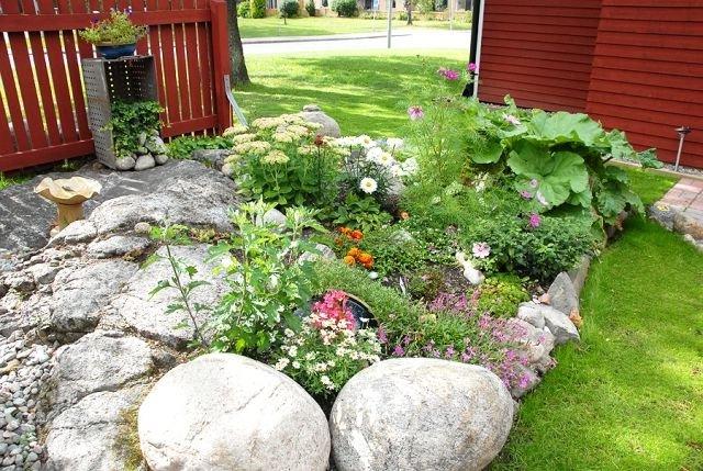 Jardines con piedras 45 fotos y sugerencias para su dise o - Jardin con arboles ...