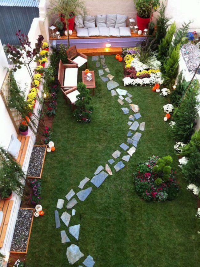 Jardines peque os y bonitos 60 fotos e ideas modernas de for Jardines pequenos originales