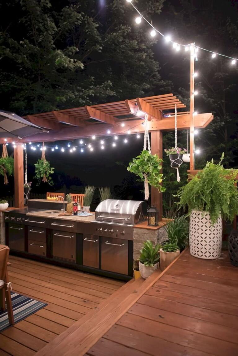 cocina en jardín moderna