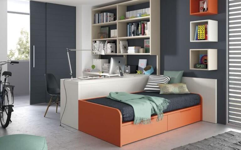 cuarto para niños paredes grises, muebles blancos y naranjas