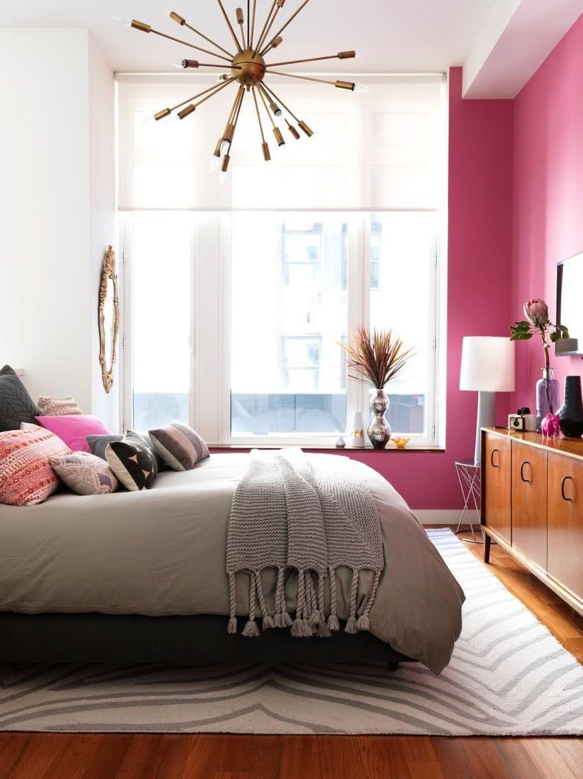 pared rosa fucsia