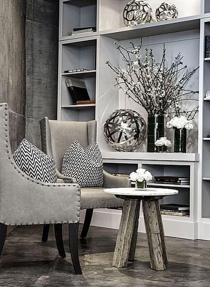 salón en tonos grises