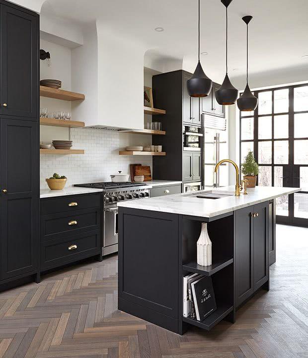 Colores para cocinas 2019 70 fotos y tendencias modernas for Cocina con electrodomesticos de color negro