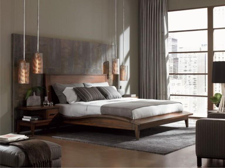 habitación elegante en tonos de marrón con lámparas cobre