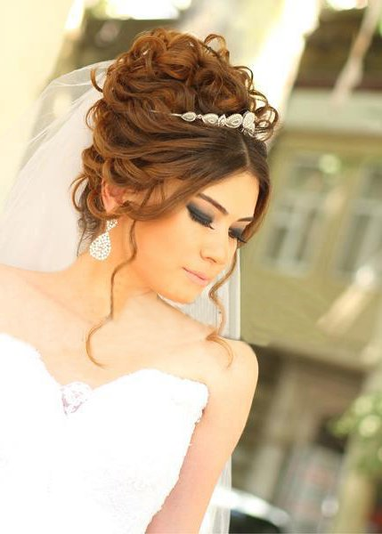Diferentes versiones peinados de novia con velo Galería De Consejos De Color De Pelo - Peinados de novia recogidos 2021 tendencias y 90 fotos