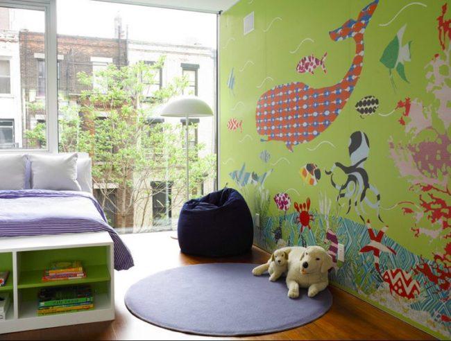una de las maneras ms fciles y econmicas de decorar un dormitorio para nios es mediante el uso de vinilos o murales infantiles que suelen ser muy