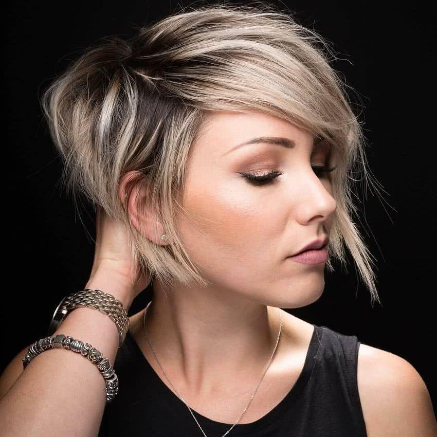 Corte de cabello concavo asimetrico