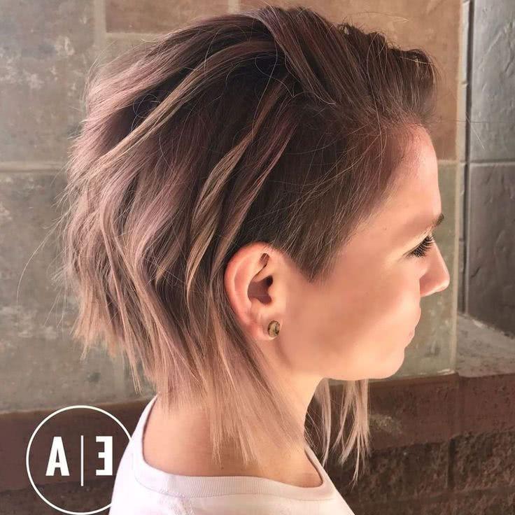 Corte de pelo con rapado lateral